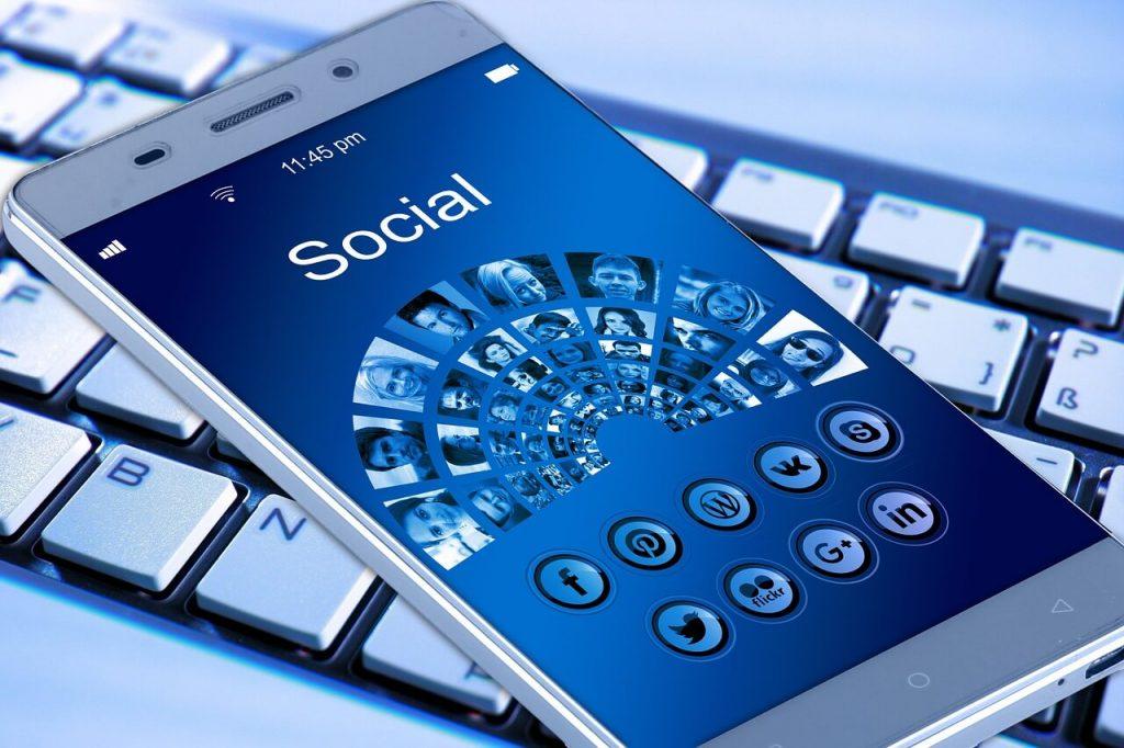 top social media marketing trends - mobile marketing for social media